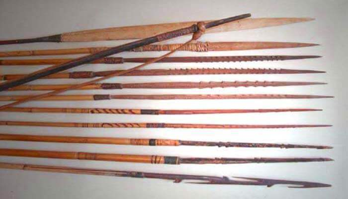 traditional weapon in Papua