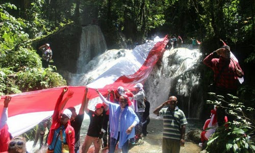 Bihewa Waterfall, the Giant Waterfall in Nabire, Papua